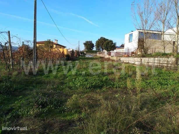 Terreno para construção com 2.240 m2 em Fornelos