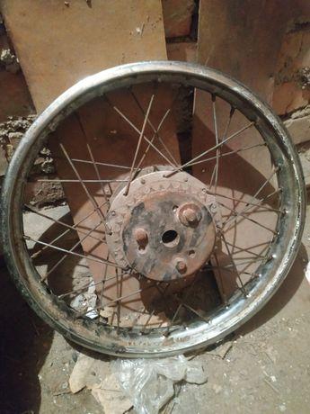 Продам колесо от мопеда c новой покрышкой и камерой