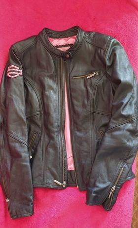 Casaco Harley Davidson de pele para senhora.