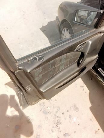 Двери Мерседес w210.. Е 290 салон