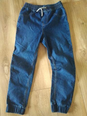 Nowe spodnie z cienkiego jeansu  Reserved 146