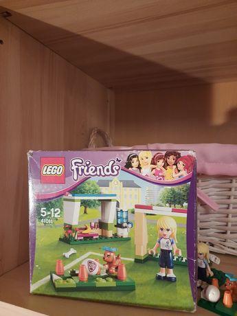 Zestaw klocków LEGO FRIENDS turniej piłkarski Stephanie piesek