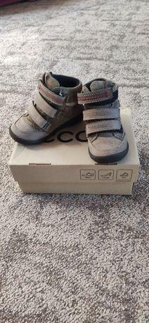 Продам детские ботинки осень-весна фирмы Ecco
