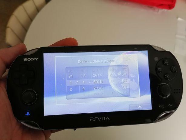 Consola Sony PS VITA 1104 3G SIM WIFI OLED,inclui carregador e 5 jogos