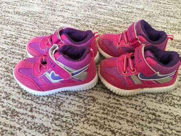 Кроссовки на девочку размер 18 и 20