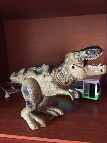 Динозавр ходит говорит