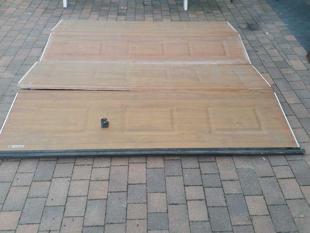 Brama garażowa Krispol (segmentowa)