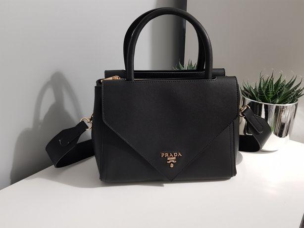 Piękna pojemna torebka klasyka prada czarna gruby pasek jakość cudna