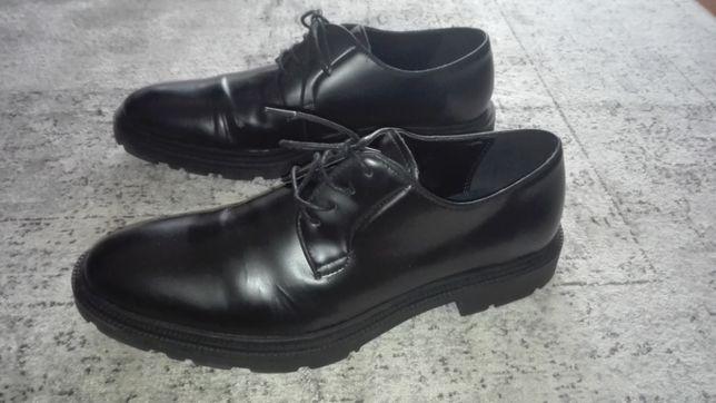 Sapatos pele preta Aldo 44
