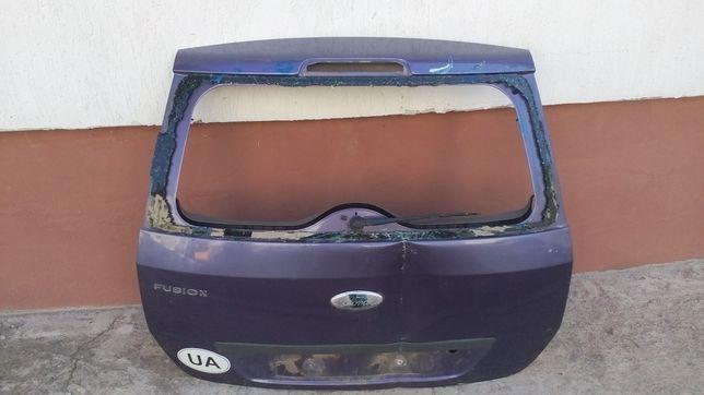 Кришка багажника бу в зборі без скла для Ford fusion 2008