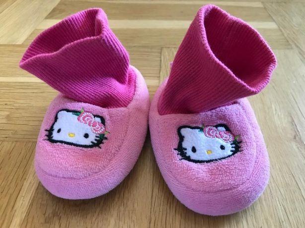 Buciki kapcie rozm 15/16 Hello Kitty stan IDEALNY