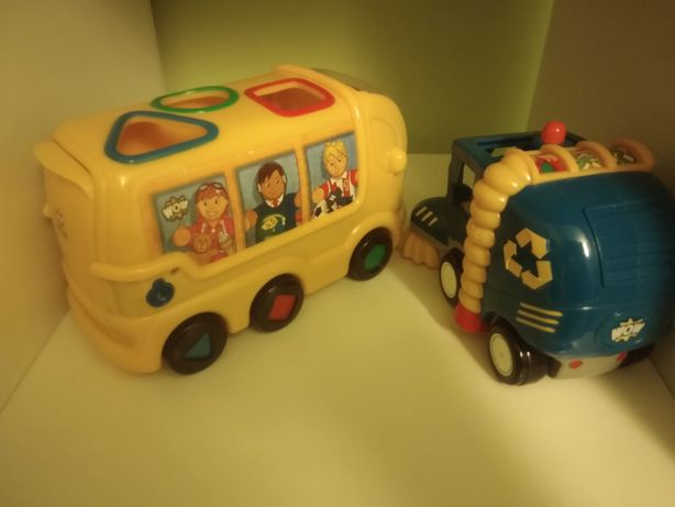 Carros de encaixe - autocarro escolar e carro de limpeza de ruas