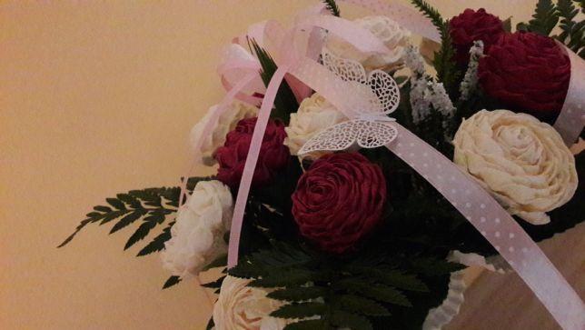 Bukiety, kwiaty z krepiny