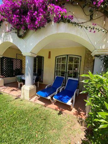Fantástico apartamento T2 rés do chão com jardim, em Vilamoura