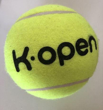 Bola de ténis grande