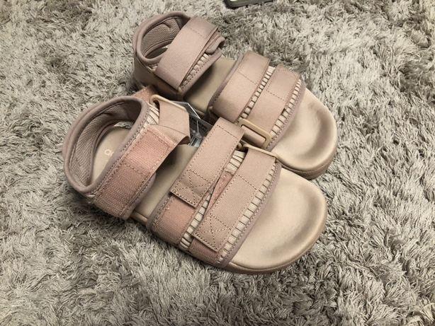 Продам новые сандали Адидас
