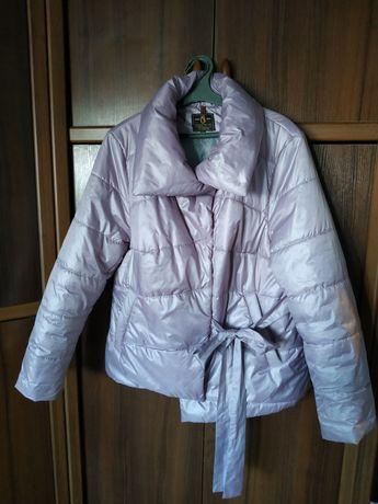 Куртка жіноча демісезонна.