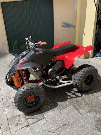 Moto4 Polaris TrailBlazer250 (400)+capacete cross e luvas