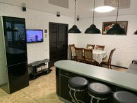 Два санузла, кухня 30 м2 и VIP ремонт.