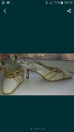 Літні нарядні туфельки 38 і 39 розм.