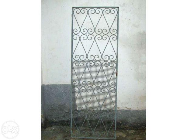 Porta decorativa em ferro