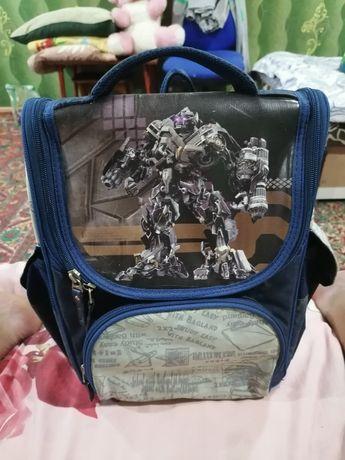 Рюкзак школьный в идеале