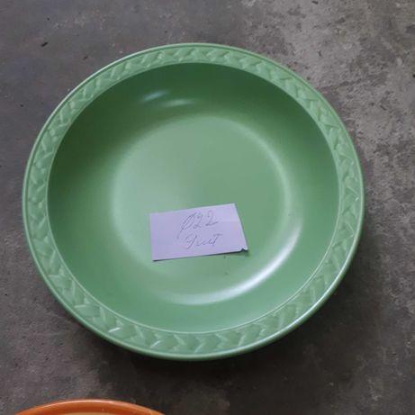 Тарелки блюда посуда после закоытия кафе новые и бу