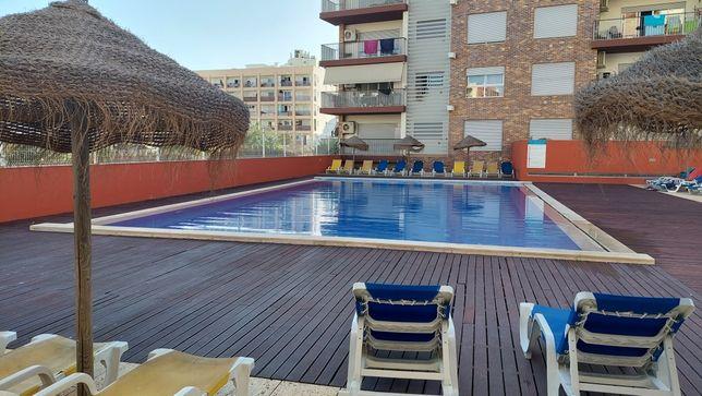 Apartamento T2 - 6p - Piscina/Garagem - Férias Armação Pêra - Algarve