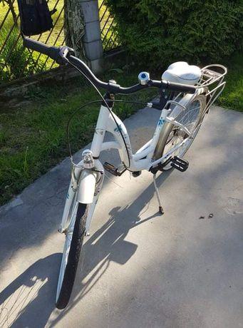 Piekny rower dla dziewczynki