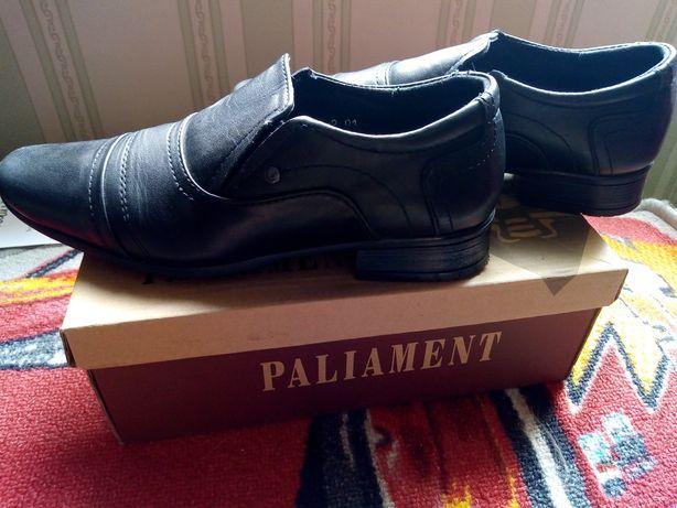 Туфли кожаные на мальчика размер 35, к школе.