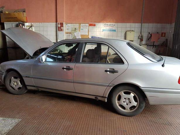 Mercedes C220 para peças