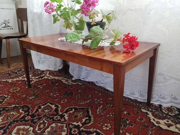 Продам лакерованный столик