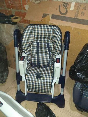 Cadeira de refeição de bebé