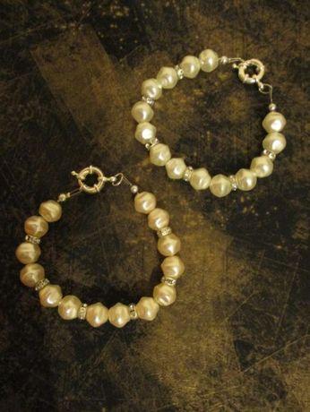 pulseiras branco perola e brilhantes