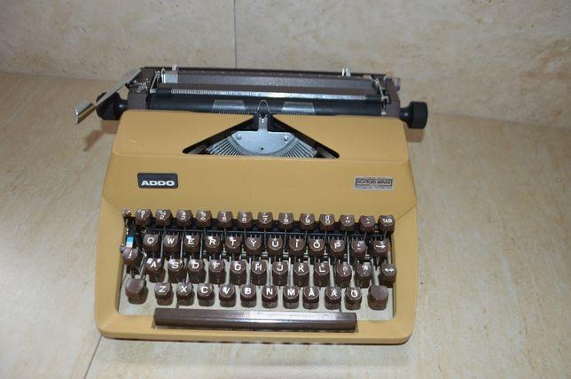 Maszyna do pisania ze Szwecji. ADDO.
