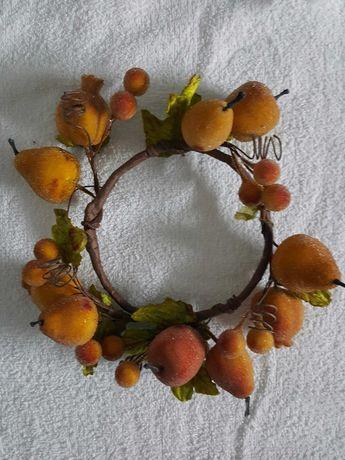 """Artigo para decoração """"Coroa com frutos"""""""