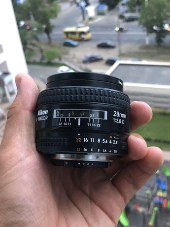 объективNikon AF Nikkor 28mm 1:2.8D