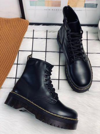 Ботинки в стиле Мартинс на высокой подошве платформе шнуровка