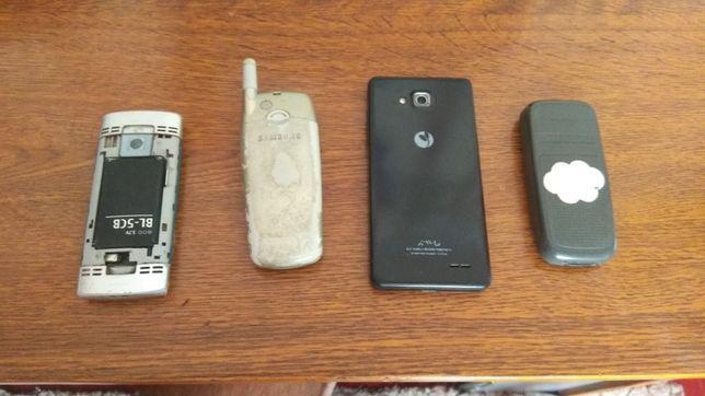 Старі неробочі телефони