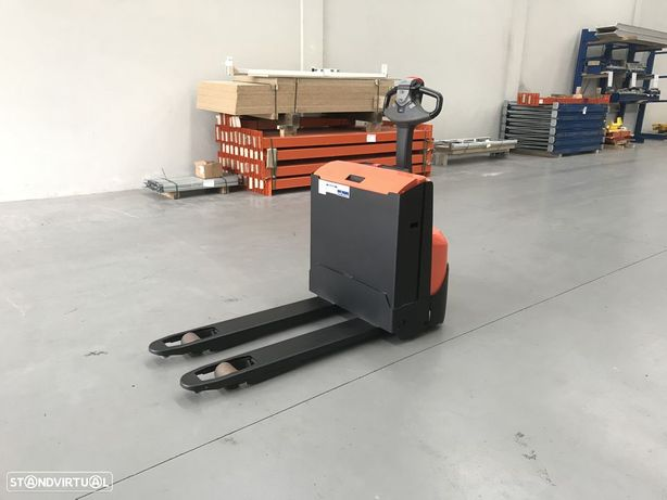 BT Porta paletes elétrico BT 1400 Kgs