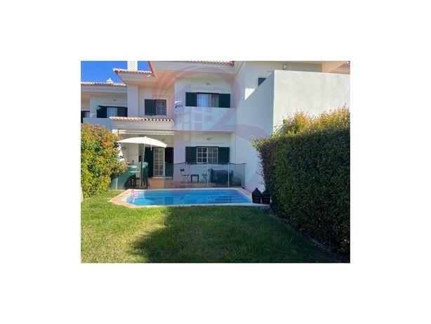 Moradia T2 geminada com piscina perto da praia em Quinta ...