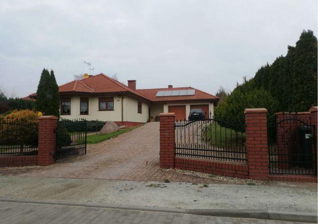Syndyk sprzeda dom pod Oleśnicą.