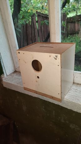 Гнездо для попугаев