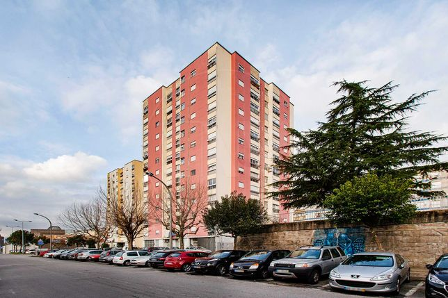 Alugo apartamento T2 Maximinos