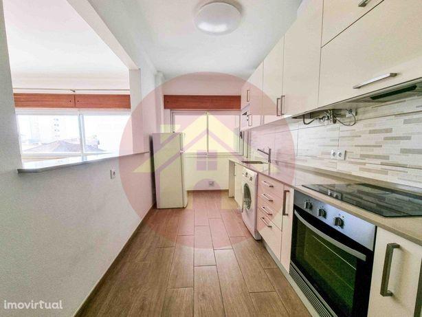 Apartamento T2 Duplex para Arrendar ao ano na Praia da Rocha