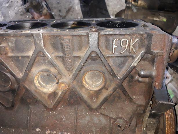 Блок Мотор двигун 1.9 f9k Renault Scenic Trafic Lagyna