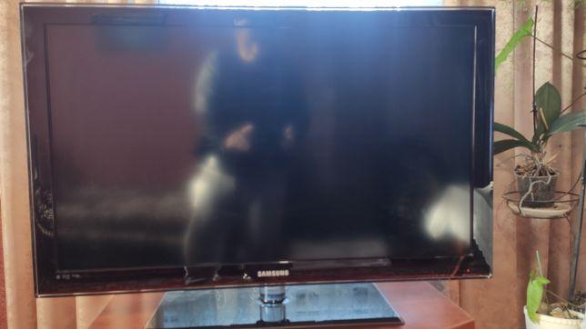 Телевізор 40 дюймів Samsung LE40C550