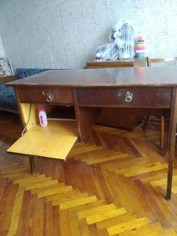 Стол письменый деревянный