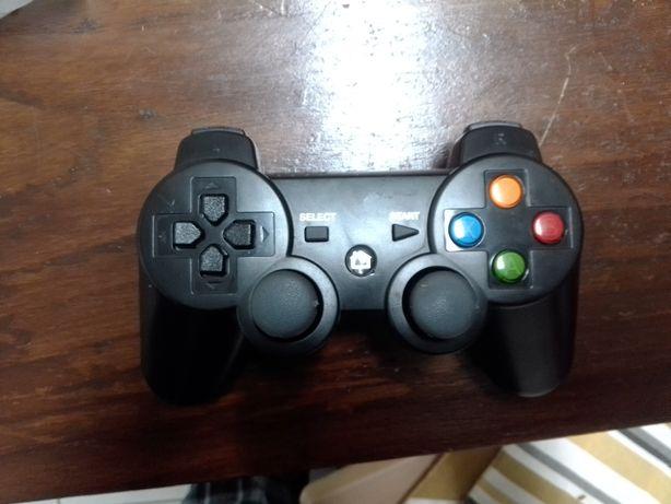 comando PlayStation 3, telemóvel ou tablet com suporte para telemóvel