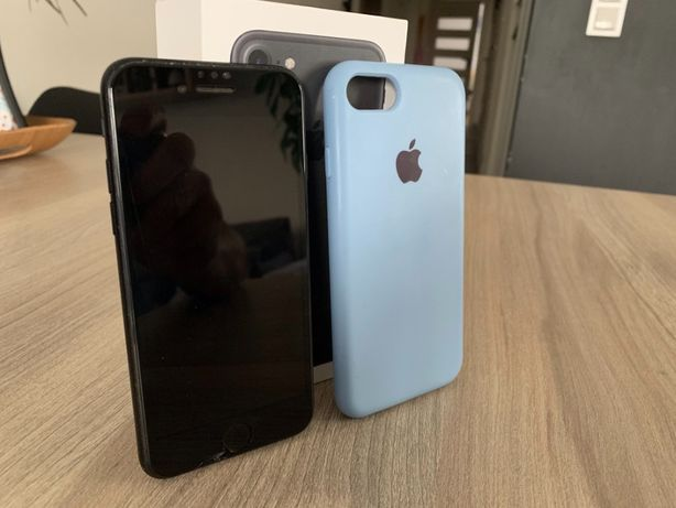 Telefon Apple Iphone 7 32GB Czarny + Etui